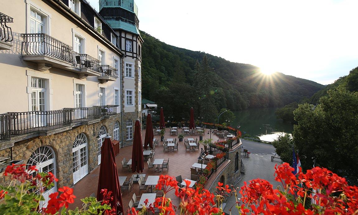 hunguest-hotel-palota-lillafured-szalloda-galeria-terasz